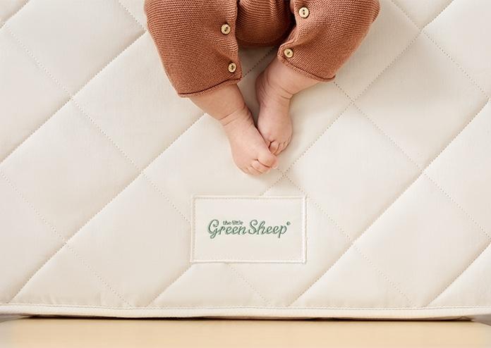 Little Green Sheep Natural Mattress - baby's feet